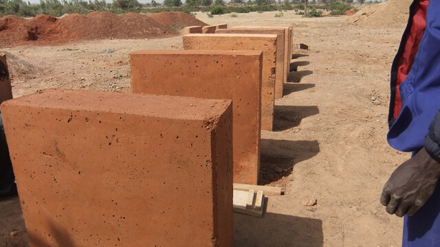 Kere Foundation Clay Material Test@ Francis Kere